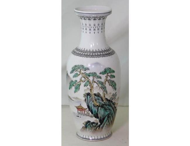 Chinese Jingdezhen Zhi Handpainted Vase.  20thc.