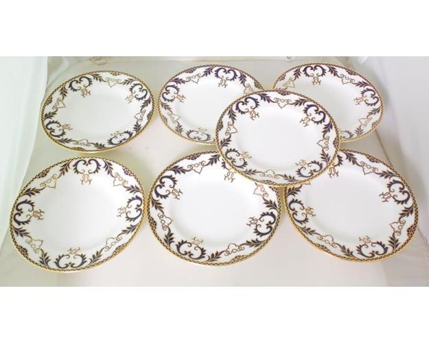 7 Royal Crown Derby Majesty Dinner Plates.  A1292.