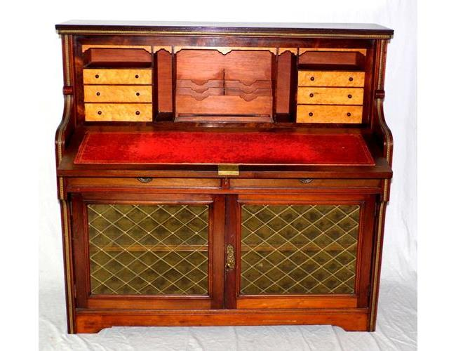A Fine Antique Regency Mahogany Secretaire  Cabinet. Early 1800s.