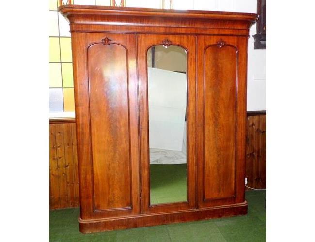 Victorian Triple Rounded Corner Mahogany  Wardrobe. 19thc.